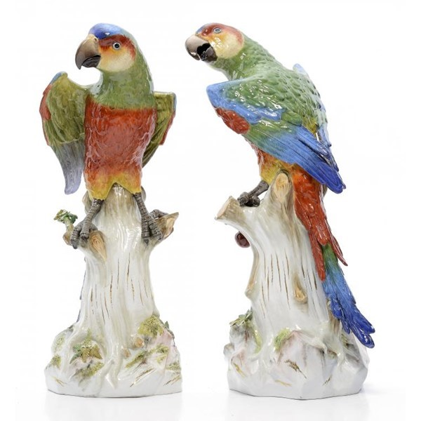 A PAIR OF MEISSEN MODELS OF PARROTS Image